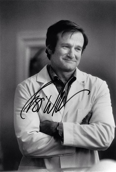 Īsts ģēnijs un, iespējams, pats jaukākais un smieklīgākai cilvēks, kāds ir dzīvojis. Rest in power Robin Williams! http://t.co/xkTMHGt1NT