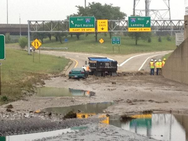 It isn't just the water itself that we have to deal with. A lot of debris, mud, abandoned cars, etc. #detroitflood http://t.co/AxX5vHSs4c