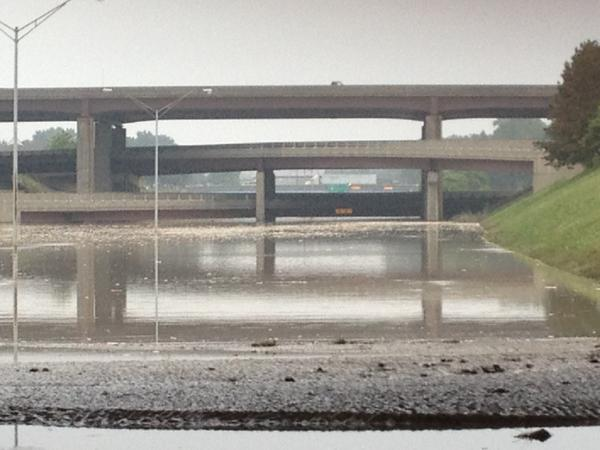 Correction: I-75 looking at I-696. (left out the 6 - sorry!) http://t.co/VaJX4Tfl9P
