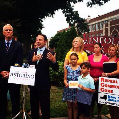 Announcing the filing of our 62,000 #StopCommonCore ballot line signatures. The largest in NYS history! http://t.co/r54R3irCeU
