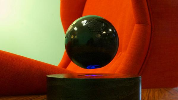 This levitating speaker is like your own bluetooth audio Death Star. http://t.co/tM4e22vD0r http://t.co/rPBMbfOwUU