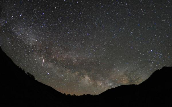 TONIGHT: Perseid #meteorshower will peak in the skies! More info, live stream & chat: go.nasa.gov/1kz37wn    pic.twitter.com/ynctqYh9og