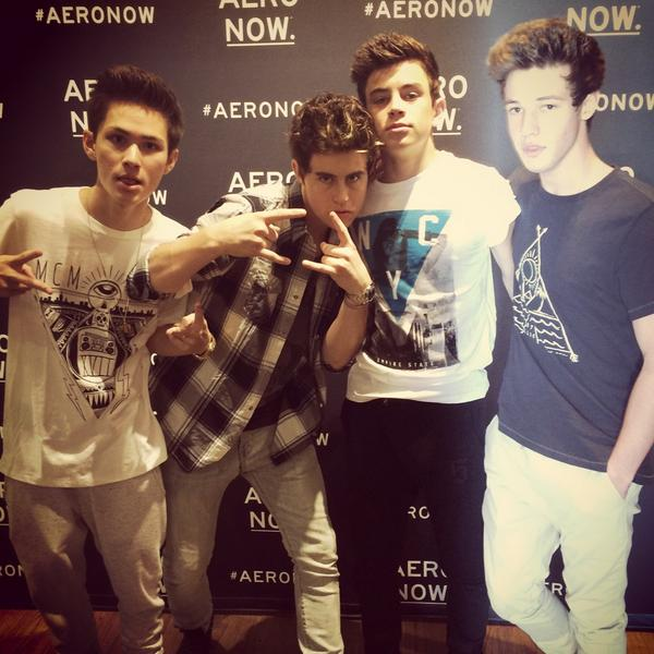Looking good @Nashgrier @camerondallas @HayesGrier @Mr_Carterr #aeronow http://t.co/ICa1tPUMZk