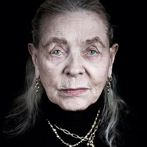 """YES. RT @fifidunks: """"I think your whole life shows in your face and you should be proud of that."""" -Lauren Bacall http://t.co/qFzbGPI5bA"""