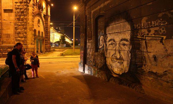 Robin Williams Graffiti Art Appears In Serbia (PHOTO)