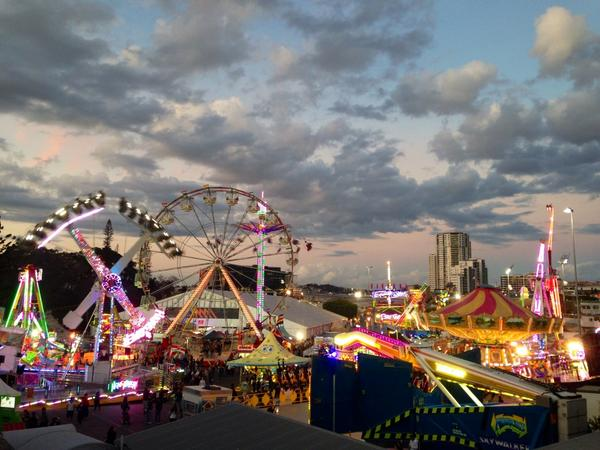 Magical #Ekka pic from @howieb69. Can't wait to see more  #9NewsAt6 @TheEkka http://t.co/hpnXrWGBfH