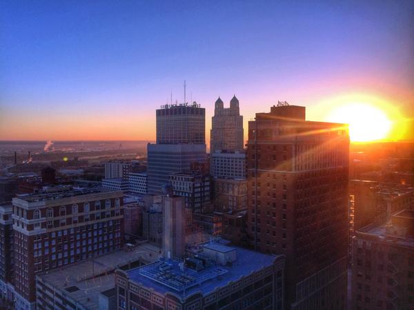 It's a beautiful morning in #KansasCity! View from the Downtown @Marriott at 6.40 this morning. http://t.co/Qn9U0pKmYR