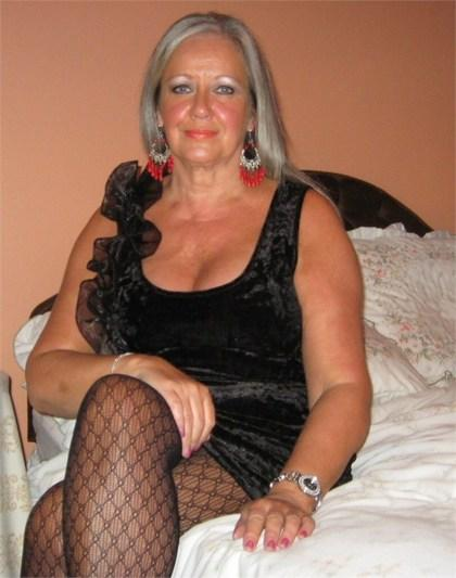 Looking for mature sexy granny
