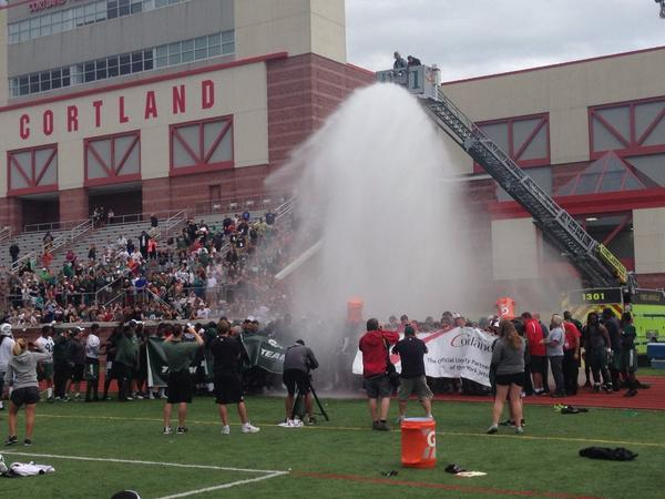 Jets accepted the #ALS ice bucket challenge called in #cortlandville fire department for help. #nyj #jets http://t.co/OACvFUunKr
