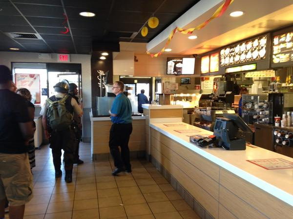 SWAT just invade McDonald's where I'm working/recharging. Asked for ID when I took photo. http://t.co/FOIsMnBwHy