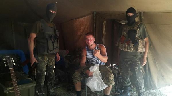Відомий десантник Валера вчора інсценізував свій полон, щоб поглумитися над радістю рашистів та їхніми ЗМІ.