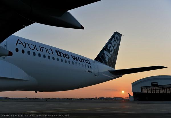This beauty will be landing @ortambo_int later today- #A350XWBTour @Airbus A350 Around the world. http://t.co/Ii8CW0COSy