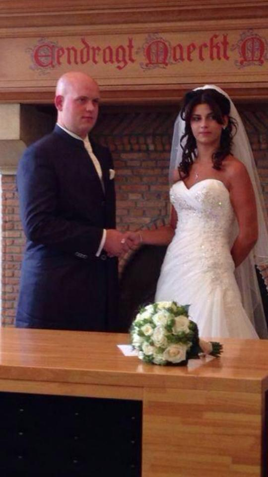 Live Darts On Twitter Congratulations To Mr And Mrs Van Gerwen Who Tied The Knot Yesterday Http T Co Q6or0yy6wq