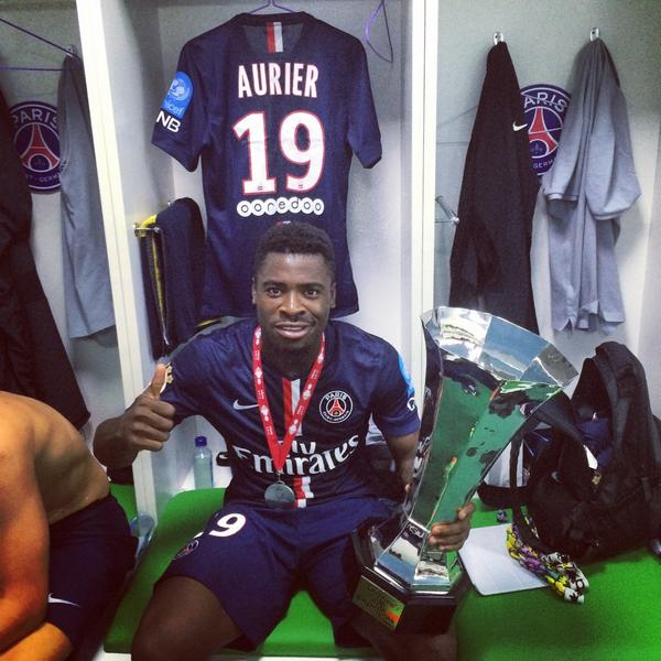 "Serge Aurier Photos Et Images De Collection: Serge Aurier On Twitter: ""Premier Trophée De La Saison En"