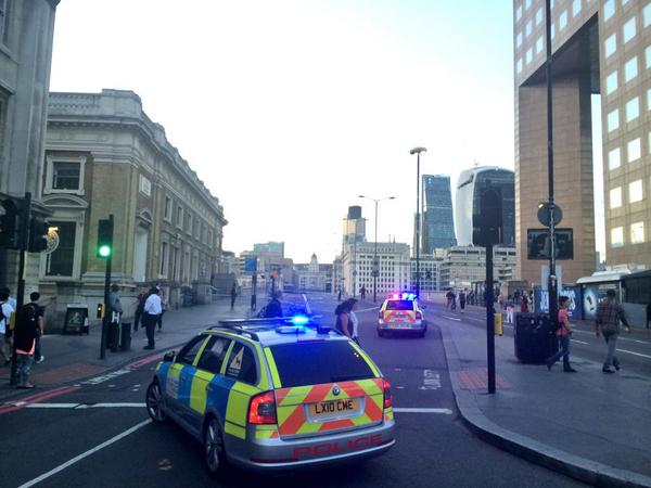 :( RT @se1: London Bridge taped off after death of cyclist in collison with car http://t.co/jO9uHHXoQz