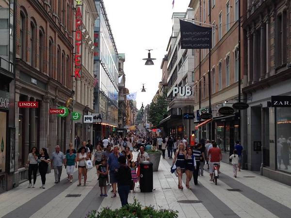 Most excellent thing about this photo in Stockholm? Most stores had been closed for 2 hours. People just walking! http://t.co/koVfQez4ih