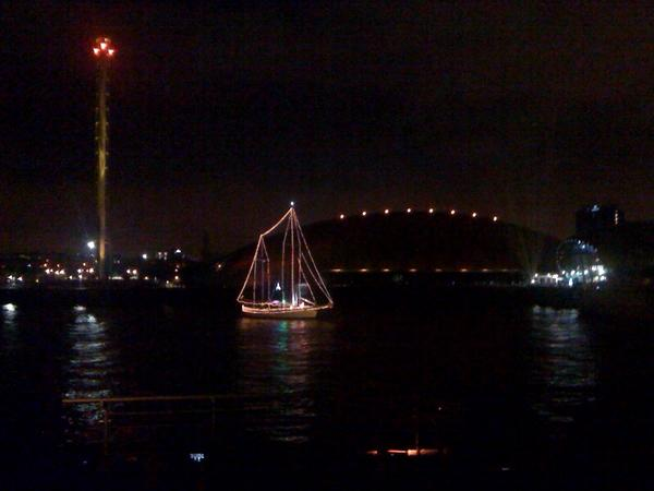 #SoundToSea was spectacular! Amazing music, dancing, fireworks and sailing! Memorable night @crypticglasgow http://t.co/yymEqf5oGM