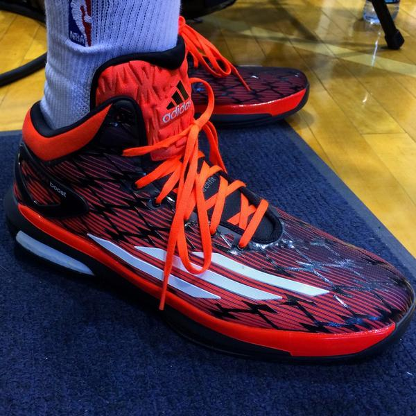 Check out @smart_MS3's #RookieKicks! #NBARooks http://t.co/9rE0KKKWhc