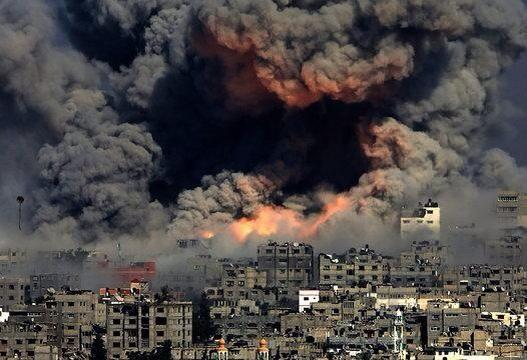Not photoshopped. Just #Gaza. Image from Huffington Post. http://t.co/4mO50nSoOs http://t.co/PLfMdRTpqf