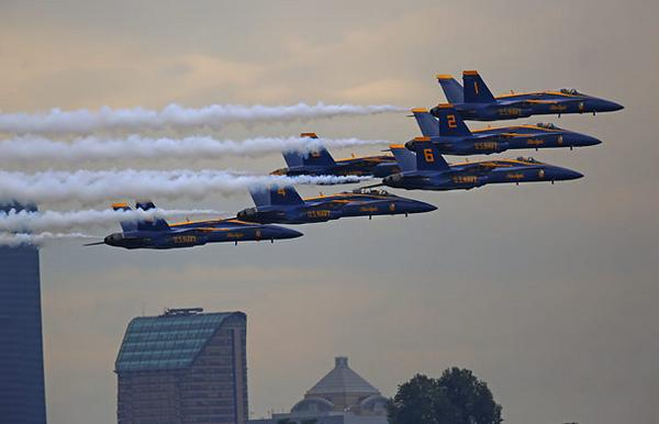 It's #Seafair Sunday in #Seattle! #BlueAngels http://t.co/O24c0gWyEb