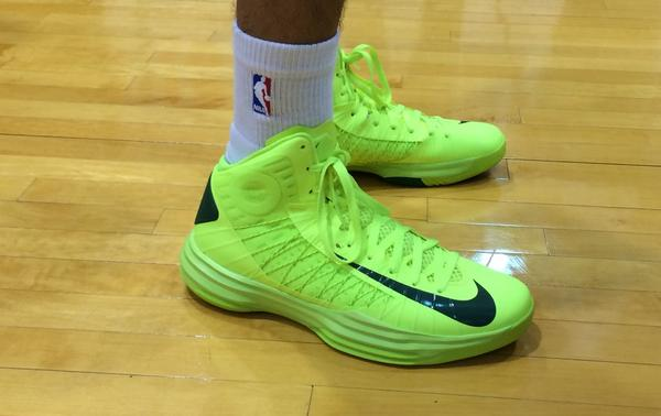 Check out @tdot_ennis' #RookieKicks! #NBARooks http://t.co/KuKztqSRLn