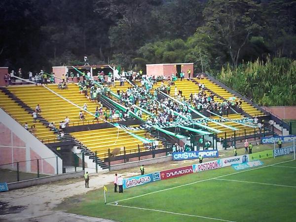Atletico Nacional בטוויטר Nuestra Hinchada Presente En El Estadio De Floridablanca Para El Juego Frente A Alianza Petrolera Minacionalenvivo Http T Co Bcwsir8vsq