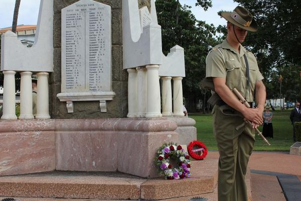A small ceremony in #Townsville has honoured the beginning of 'the war to end all wars'. @ABCnorthqld news at midday. http://t.co/FiEpbG4OwO