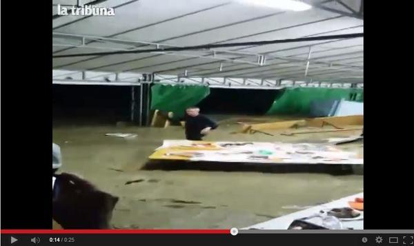 FOTO VIDEO - Tragedia a Refrontolo (Treviso): le immagini impattanti dell'acqua sulla Festa