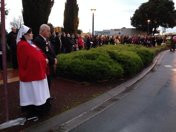 The Dawn Service at Ulverstone has attracted a strong crowd #WW1centenary @abcnews http://t.co/kZ0lYIjnif