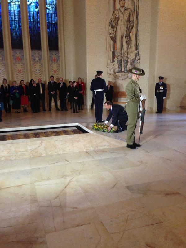 The PM Tony Abbott laying a wreath in honour of 100h anniversary of WWI and Soundscape project #CBR http://t.co/3ofec5PAC6