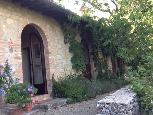 Our home away from home in #Gaiole in Chianti, #Tuscany. 'Such peace and quiet! http://t.co/pMVQArjtqu