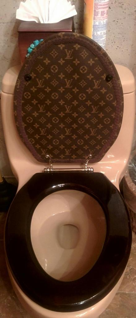 Louis Vuitton Toilet Seat.Patricio Marvin On Twitter Not A Lot Of People Can Say