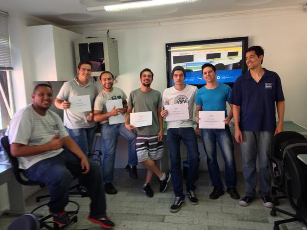 Galera do curso de Hardware Apple!  Parabéns!!! http://t.co/fVmw2sISYe