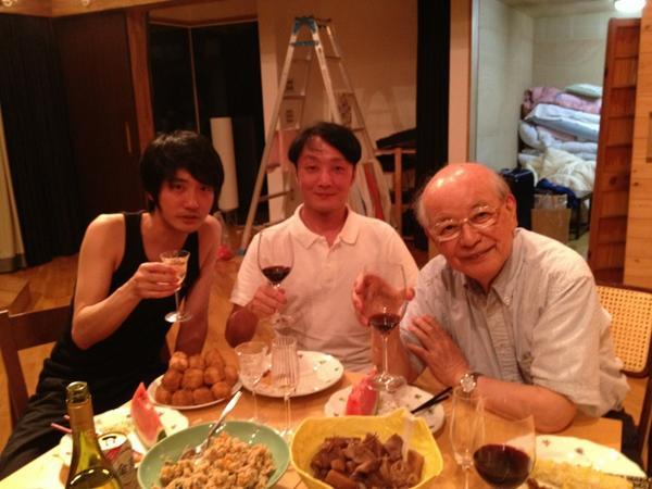 軽井沢演劇部、打ち上げ。オーベロン加賀乙彦先生、ライサンダー山本芳樹さん、と。 http://t.co/G1y1XJGPOs