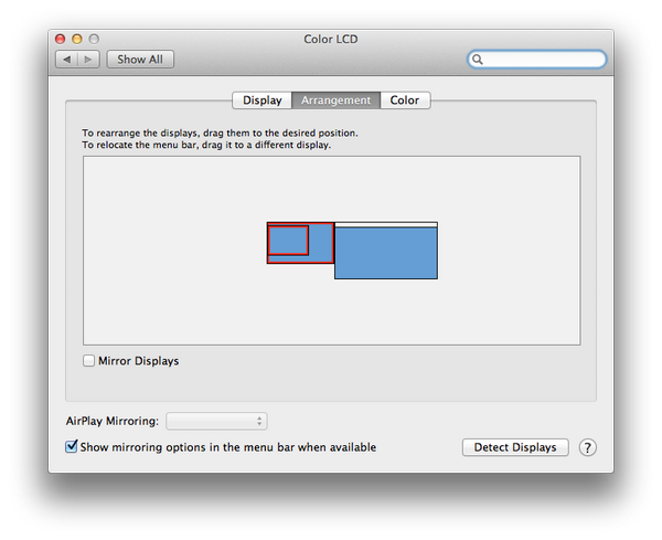 今天准备 Keynote 的时候学到个冷知识。Mac 输出多于两个显示器的时候如何让其中几个互相镜像,又与其它显示器平铺?只要在排列显示器时按住 option 拖动就可以让它们任意重叠了。 http://t.co/xxQlPs2J2z http://t.co/a4X7T7JpeH