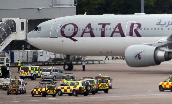 Fighter jet escorts Qatar Airways plane into Manchester airport over possible 'device': http://t.co/NrUzW9Vyru http://t.co/rOArGfLqsG