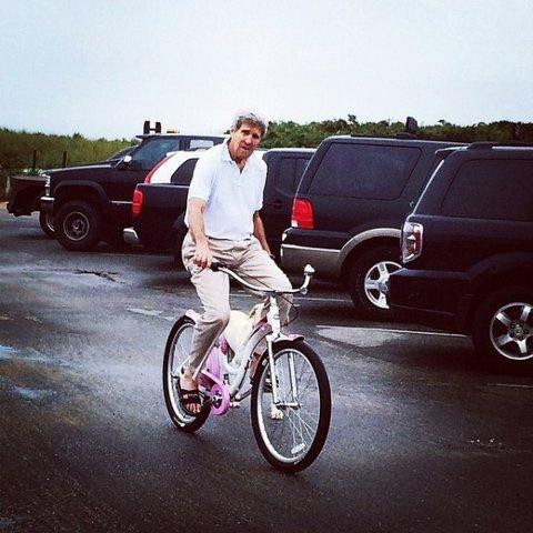 Here's John Kerry Riding a Pink Bicycle During the Gaza Crisis: http://t.co/vA1z5vHFGd. http://t.co/wYsUkLWUKt