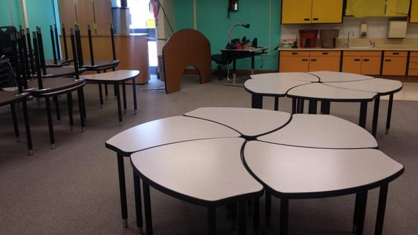 Baywood Los Osos Pta On Twitter Cool New Student Desks Rt Baywoodbears Getting Our Collaborative Set Up For The Year