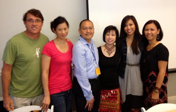 #FREDtalks: Filipinos Revolutionizing Education & Dialogues crew, Janet Po @filamthropy & @TessParas #FANHS2014 http://t.co/exaJZrRaBi