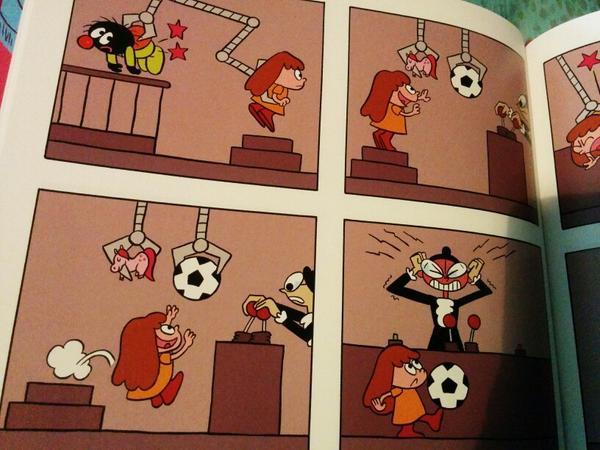 la petite fille n'aurait pas le droit de préférer le ballon au poney rose ?! #ÉgalitéFG http://t.co/Klro1I0T9u