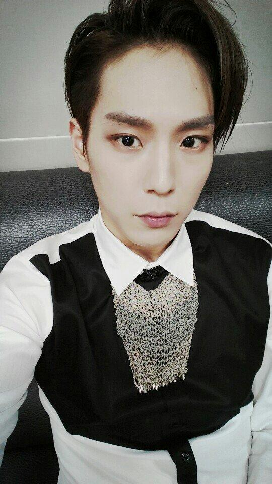 "Himchan on Twitter: ""#셀카 #이얏호 http://t.co/A77U98Rw53"""