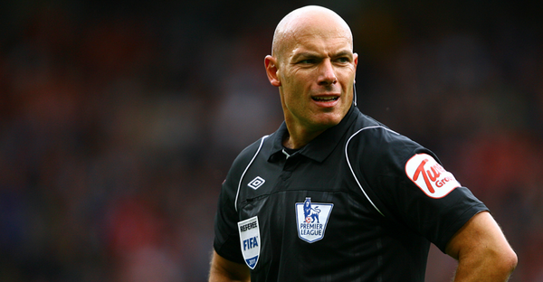 Man United club legend Howard Webb has retired as a match referee #mufc http://t.co/JWCjkJD4a2 http://t.co/cmUl7G68Sn