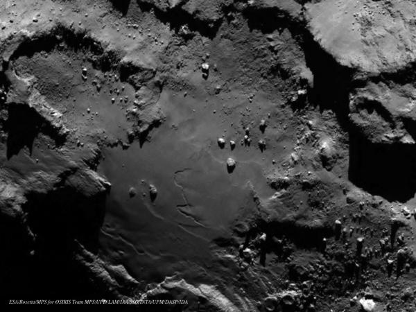 "MT ""@esascience: Stunning close ups of comet 67P: http://t.co/vhNn8DuPKU http://t.co/3u239x7L3a"
