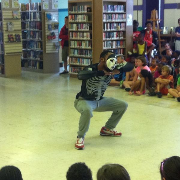 "More ""Poppin'"" demonstration at #Pottstown Library. http://t.co/XZL2SlCUXh"