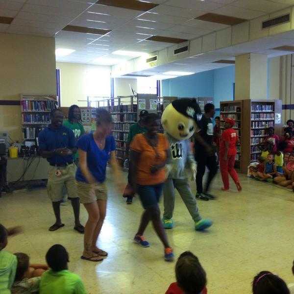 Even the adults got on the dance floor. http://t.co/bt68UTpi5I
