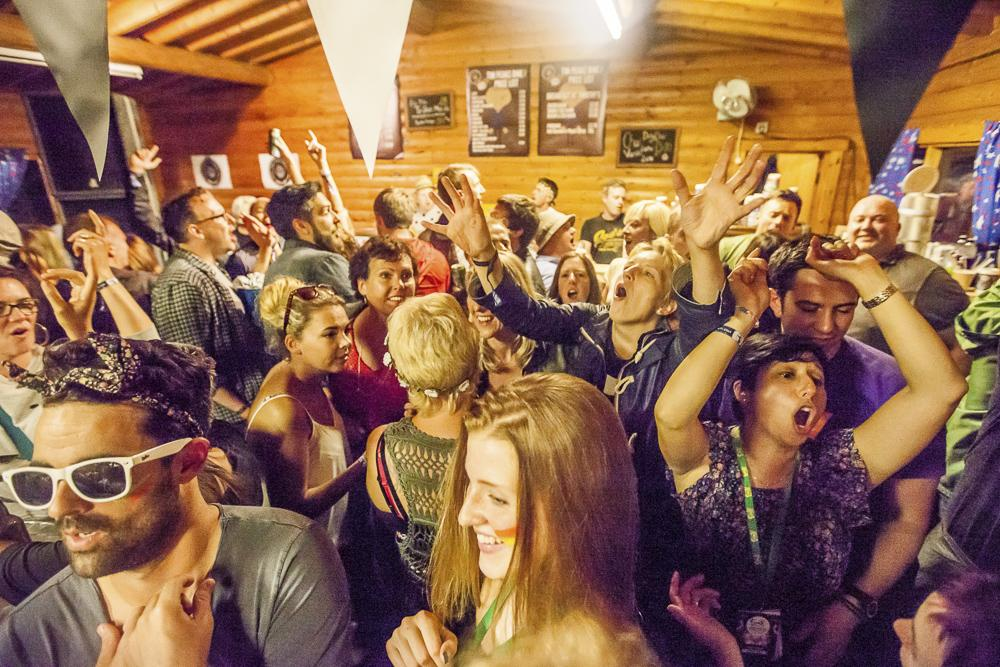 Cum organizezi o petrecere surpriza memorabila