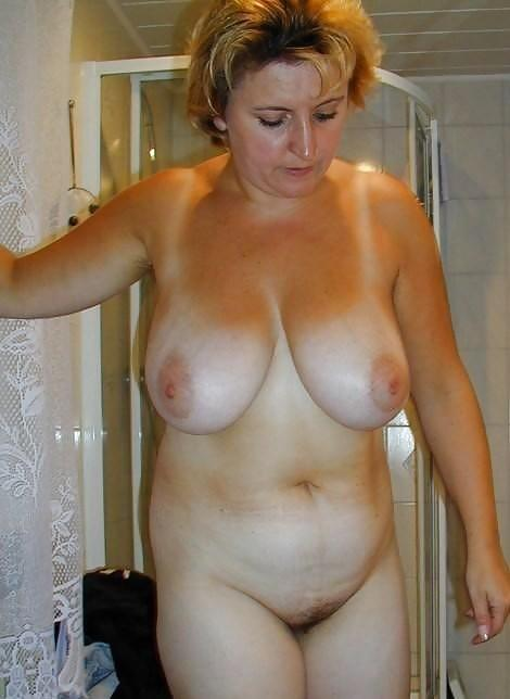 Mature cougar tits