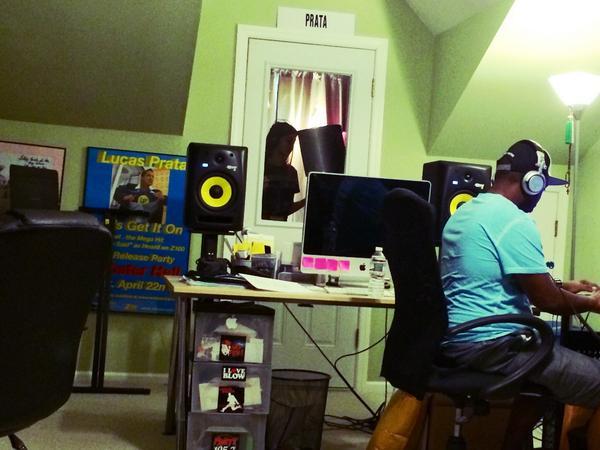 @sanchezsammi recording a new song today in NJ w producer Q!! Wait til you hear this one Sammurais! @imLissaSanchez http://t.co/qVJiv9uKW6