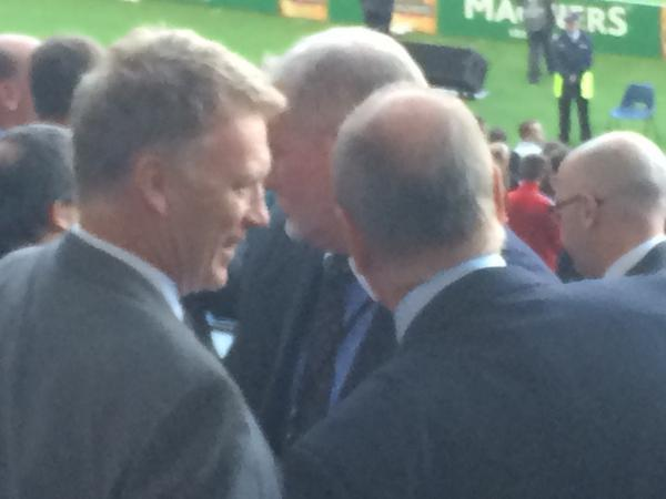 Jobhunting? Ex Manchester United boss David Moyes spotted watching Celtic 0   Legia Warsaw 2 [Picture]