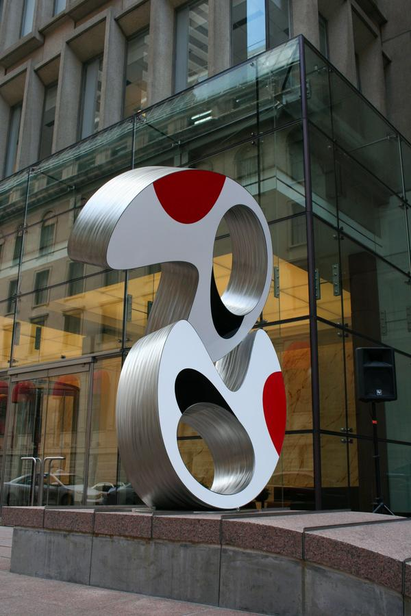 Here's the new sculpture .@equityoffice unveiled in Boston. http://t.co/Cfdl1dIOcg #art #sculpture http://t.co/BOmqmRzzaa